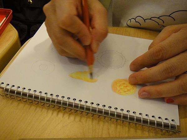 》學生色鉛畫麵包練習(4)