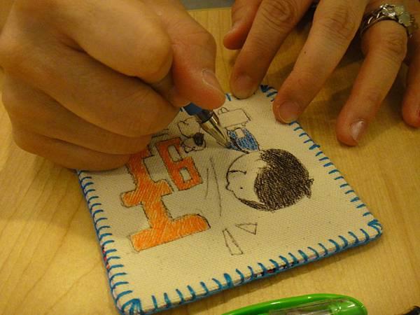》學生鋼珠筆畫杯墊(7)