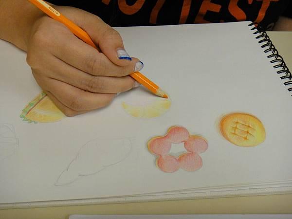 》學生色鉛光影上色練習(17)