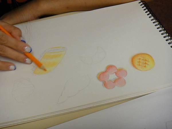 》學生色鉛光影上色練習(13)