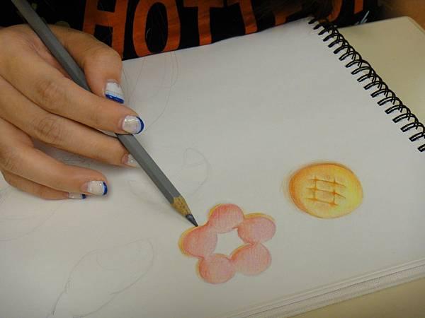 》學生色鉛光影上色練習(12)