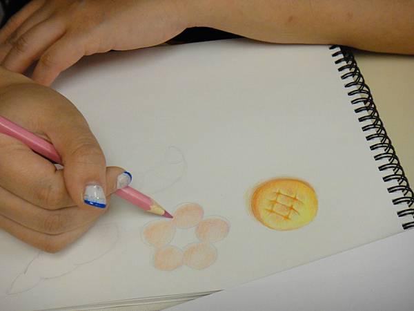 》學生色鉛光影上色練習(10)