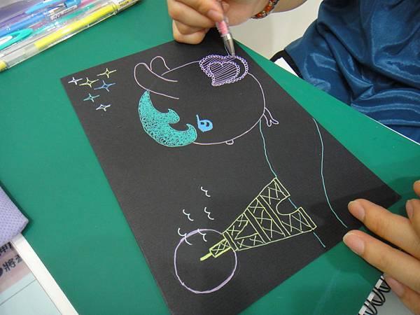 》學生黑底紙創作(3)