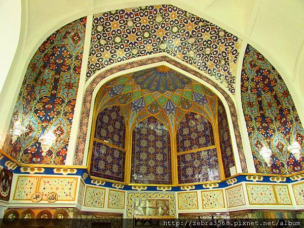 Barakhan Medressah中心內部的拱門花紋