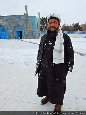Hazrat Shrine的老者