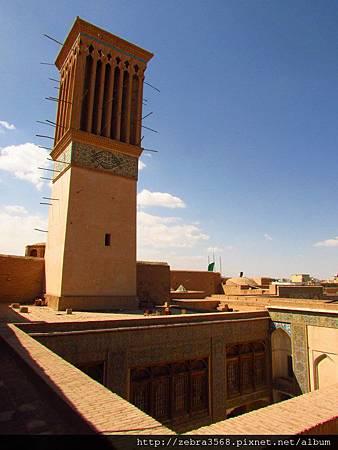 鐘塔的另一側 - Hoze elmie