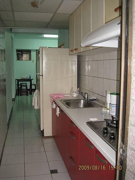 廚房與冰箱.JPG