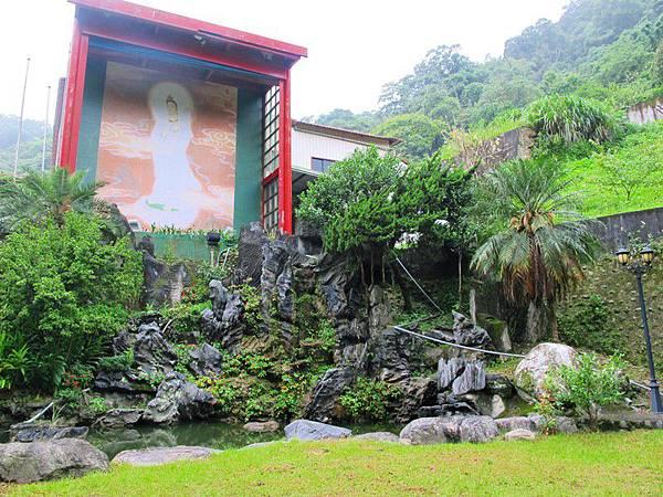 慈悲的觀音菩薩法相住位,讓靈修中心的靈氣滿滿