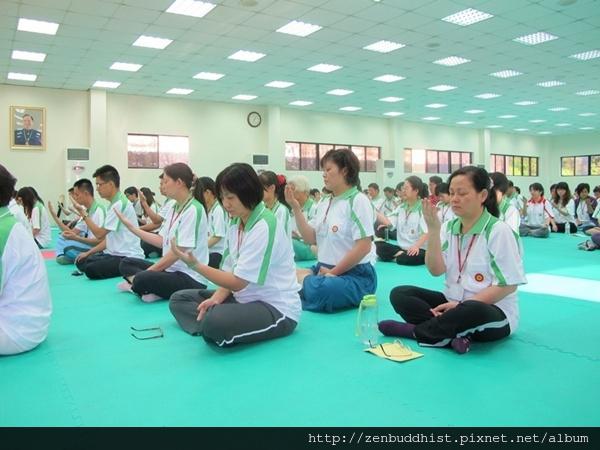 2012暑期教師生命智慧禪定營_仔細感受一下掌心的變化