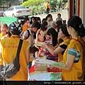 2012暑期教師生命智慧禪定營_義工們井然有序的安排學員入場