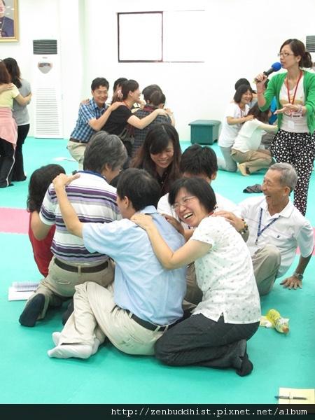 2012暑期教師生命智慧禪定營_老師們都笑開囉