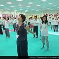 2012暑期教師生命智慧禪定營_雙手甩一甩,精神好起來