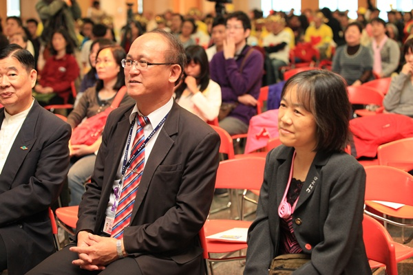 新北市教育局局長林騰蛟先生以及禪教會秘書長羅佩禎教授