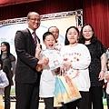 侯副市長頒發研習證書給表現優異的學員