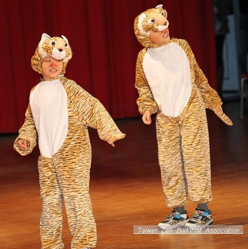 最應景的小虎舞