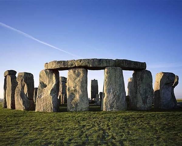 stonehenge-sunrise.jpg