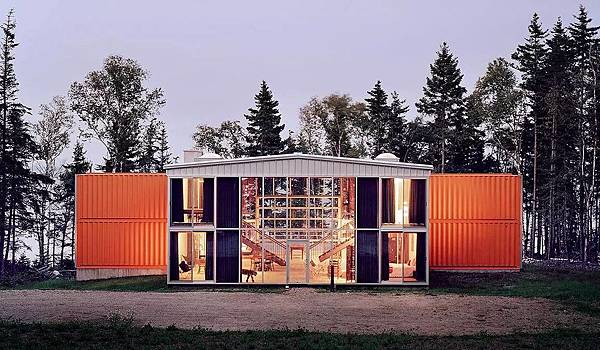 12 container house.jpg