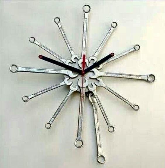 tool clock.jpg