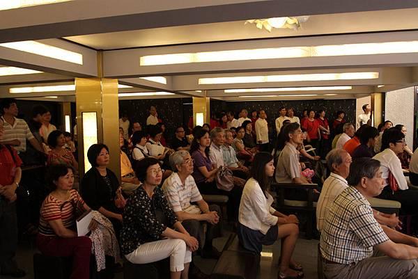 底下真的是座無虛席,滿滿的聽眾