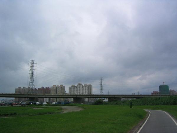 灰灰的天空