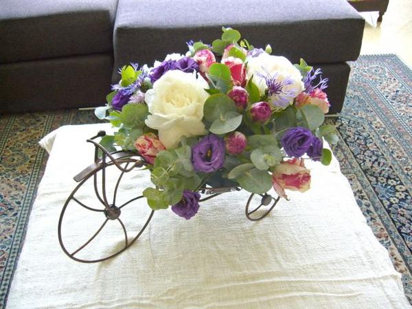 花的自行車.jpg