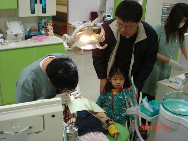 茹茹看牙齒(3.4ys)