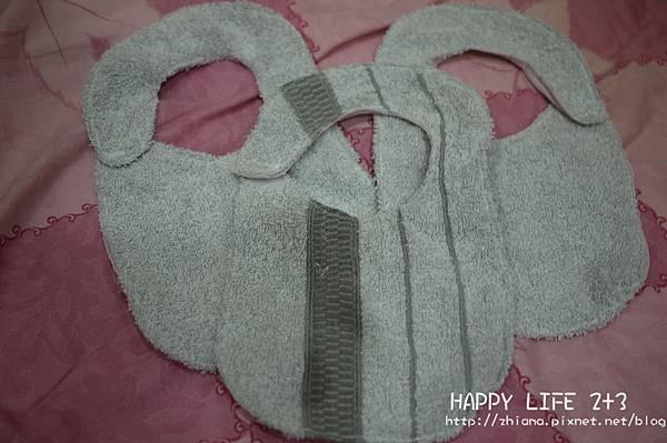 NO49;陳小3專用毛巾防水圍兜兜