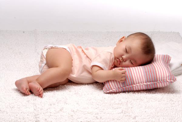 毛毛的地毯也好好睡~