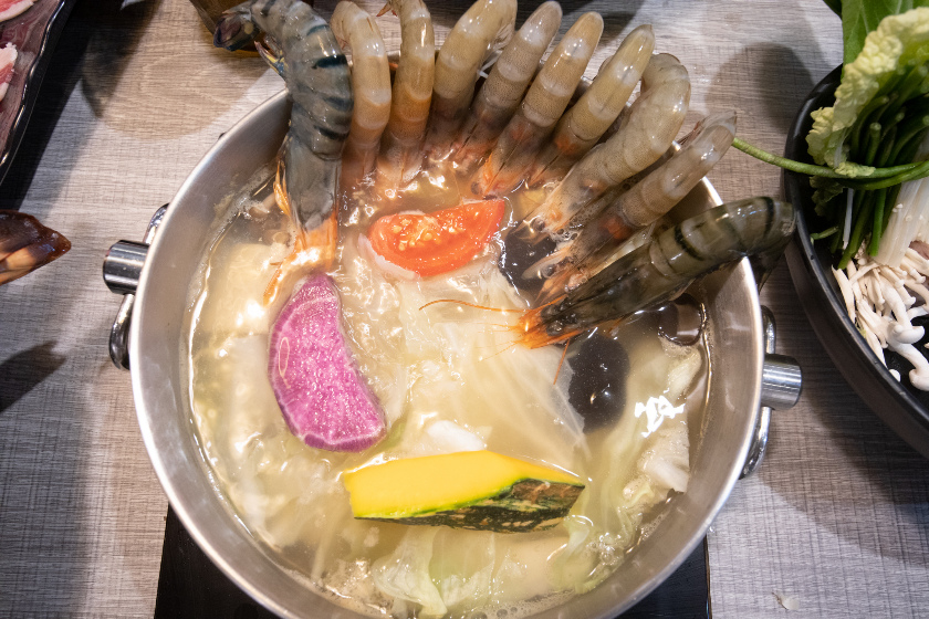 蘆洲海鮮火鍋, 龍蝦火鍋, 樂釜, 蘆洲火鍋推薦, 牛奶鍋推薦