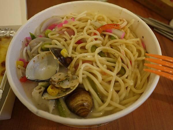 蛤蠣白酒義大利麵