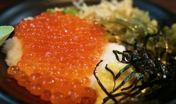 鮭魚卵丼01