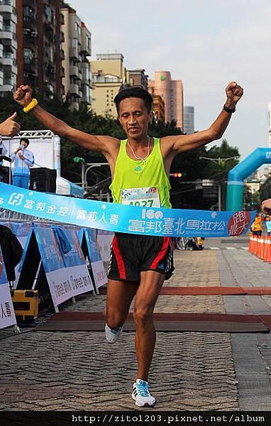 2011富邦台北馬拉松,12萬大軍來勢洶洶! (25)