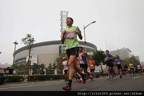 高雄國際馬拉松 ─ 港都地標一覽無遺! (2)