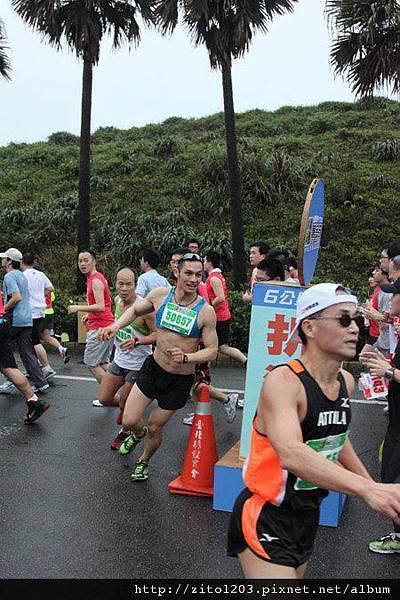 【主題賽事】-『2012 新北市萬金石國際馬拉松,向著細雨迷霧的海岸奔馳吧!』 (7)