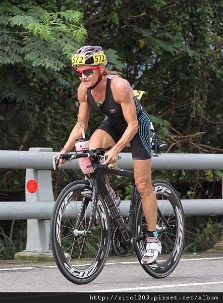 【主題賽事】-『2012台東活水湖國際鐵人三項賽,來挑戰全台最優質的賽場!』 (2)