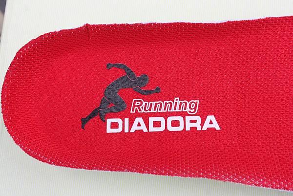 Diadora DA3AMR8756 鞋底