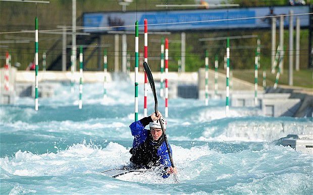 獨木舟障礙賽(slalom canoe)