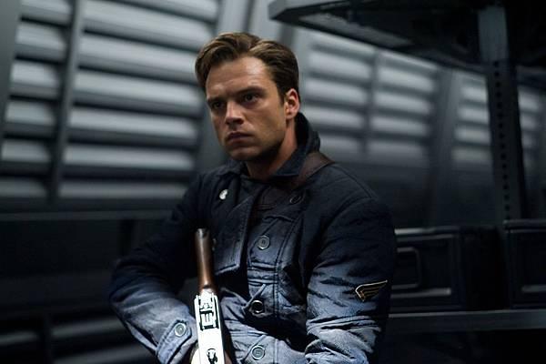 Bucky (Sebastian Stan)2
