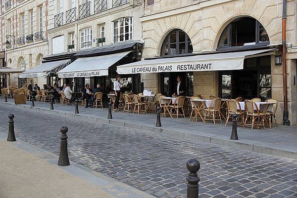 Caveau-du-Palais1.jpg