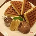 18巧克力香蕉冰淇淋鬆餅($140).jpg