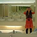 071128在一個喜宴的廁所~哈哈!!.JPG