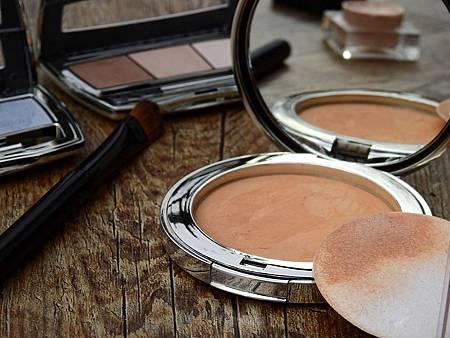 cosmetics-2116386_960_720.jpg