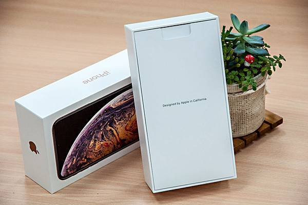 iPhoneXSMax-6.jpg