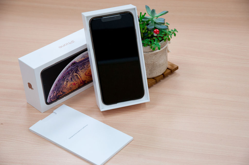 iPhoneXSMax-7.jpg