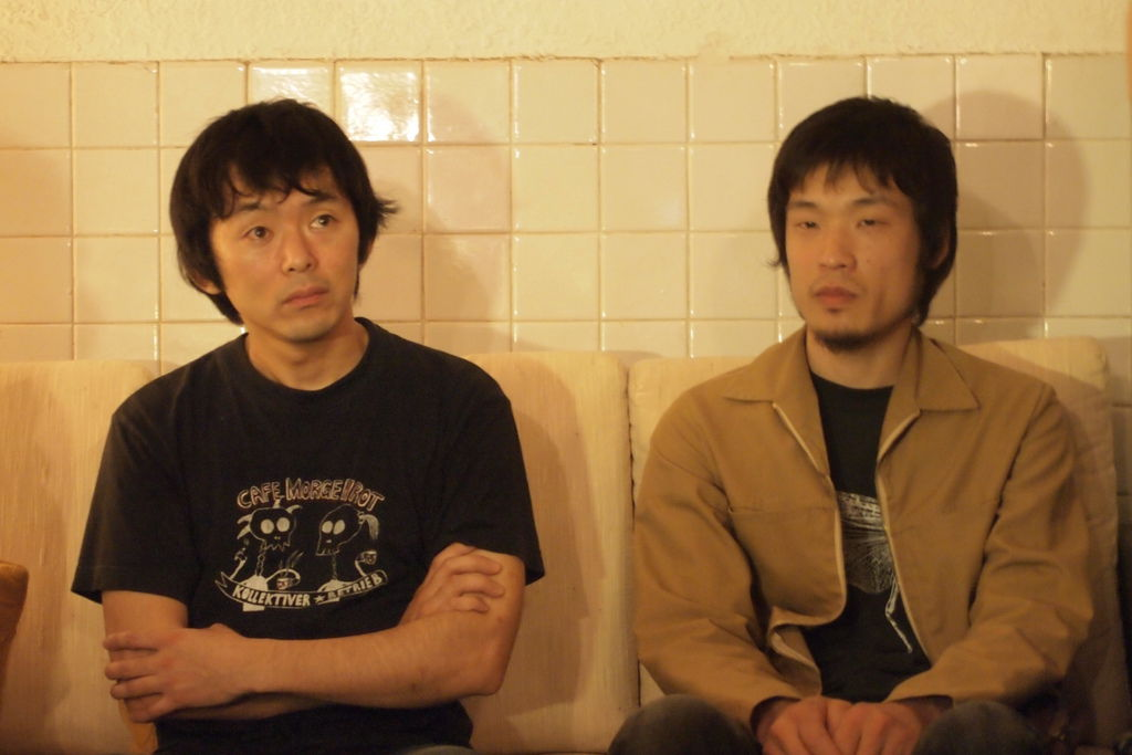 松本哉(左)與樋口拓朗(右)