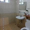 4人套房浴室