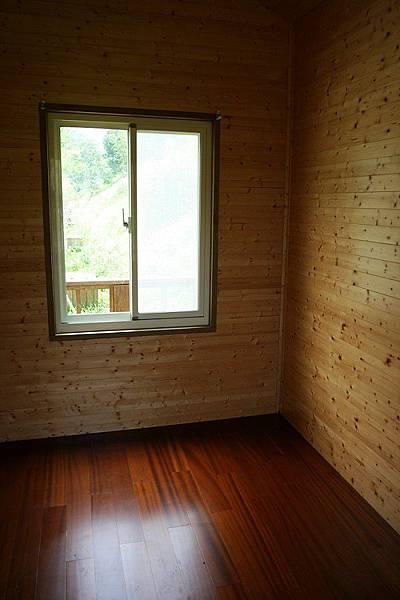小木屋室內1