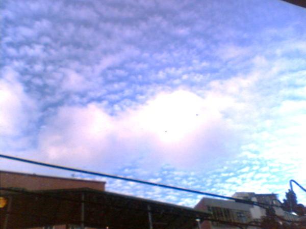 這雲的型狀好像....