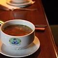天氣冷喝湯好舒服!