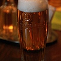 既然吃豬腳   當然要來杯生啤酒!
